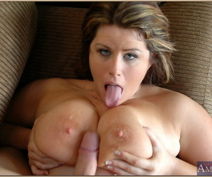 Chunky matured Lisa Sparxxx sufficient a indiscriminate cock with her special coupled with cunt