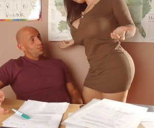 Big titted cocksucker Daphne Rosen fits a mammoth cock with regard to the brush pussy