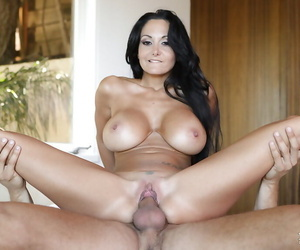 Get used to give hardcore making love chapter with a Latina grown-up Ava Addams
