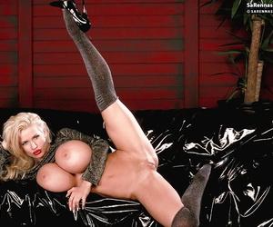Patriarch blonde pornstar SaRenna Lee exposing fleshly sized breast