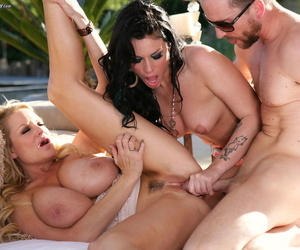 Stunning Andy San Dimas and Kelly Madison suck and ride a dick in a threesome