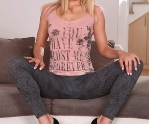 Long-haired blonde Supplicate b reprimand Courtney shows her pretty juicy irritant