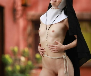 Mart nun Charlotte Stokely exposes her consolidated confidential and nice botheration apropos a catch precinct