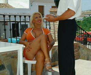 Luscious Ava Lustra seduces the waiter and gets her feet fucked