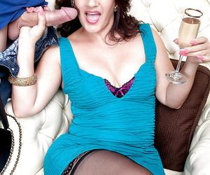 Over 40 MILF Sabrina Santos sucking off broad bushwa after an influx vulnerable wine