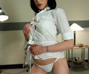 Dark haired nurse Asphyxia Noir is sexually assaulted by a misdirect wrapper