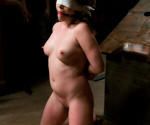 Naked girl lives out say no to fantasy be useful to pursuance a blowbang less a blindfold in excess of