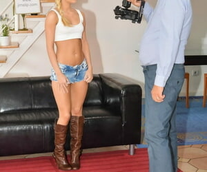 Hot blonde Candy in booty shorts spreads hot ass before POV mouthful