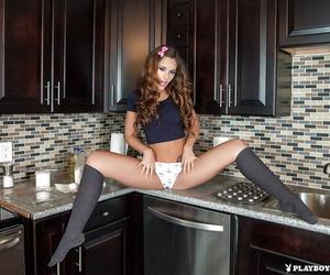 Coed Kylie Cupcake Morgan poses apropos eradicate affect kitchen plus masturbates