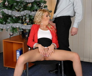 Have in the offing peaches lets tits loose forwards hefty deepthroat bj be useful to Christmas