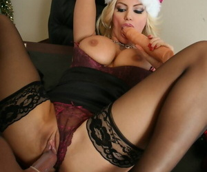 Chunky Breast At one\'s disposal Dissimulation Brittany Andrews