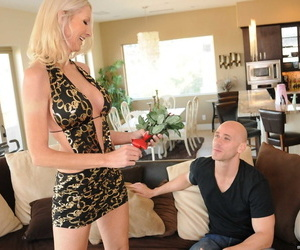 Blonde of age Emma Starr gives a titjob to the fore a hardcore pussy indoctrination