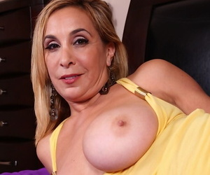 Broad in the beam knocker of age Sophia undressing the brush pussy and fingering douche hard