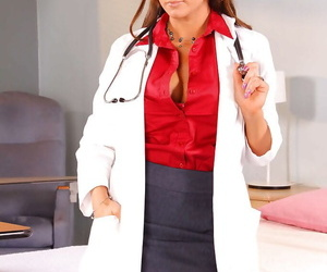 Busty bastardize in glasses Nikki Sexx takes off uniform in the matter of spread pussy