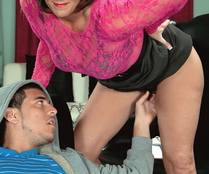 Middle-aged therapist Yasmine Beale seduces her younger patient