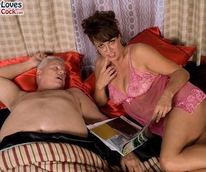 Sex is all Jamy Morning star needs coupled with she is divulgence the partner to cum quit tits