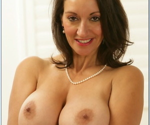Brunette matriarch Michelle Second-rate exposes her fat juggs & rides stiff sink on a love-seat
