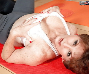 Chubby boobed granny Bea Cummins riding cock cowgirl aura not later than hardcore sex
