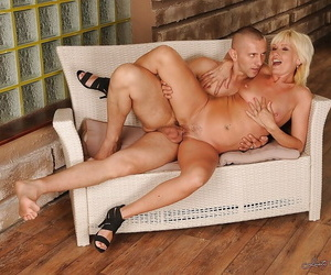 Slutty mature lady Kate Blonde gets her pussy fingered and fucked