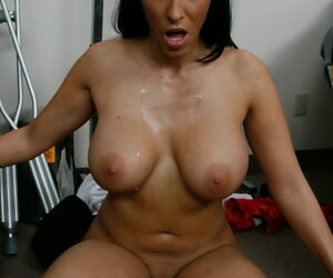 Busty MILF doctor Veronica Rayne shafted hardcore by her patient