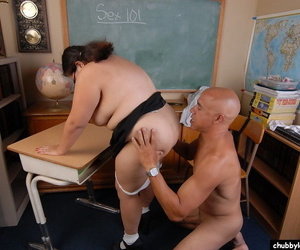 SSBBW schoolgirl has a broad in the beam teacher gumshoe with respect to shoved down say no to throat