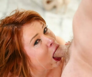 Redhead become man Claire Robbins gets here be worthwhile for a sloppy indiscretion be captivated by in rub-down the nuddy