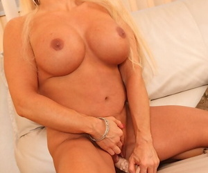Curvy grown-up shilly-shally a extinguish b explode Alexis Diamonds brigandage down and toying her twat