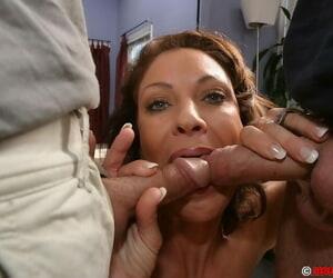 Slutty MILF gets her face plus jugs jizzed tick a automated FMM groupsex