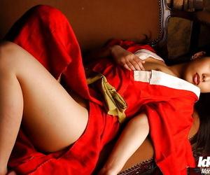 Seductive asian babe Ran Asakawa uncovering her perky titties