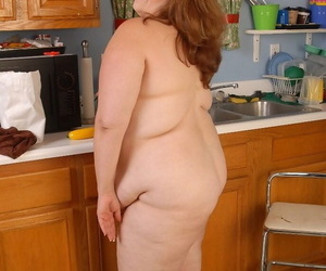 Fatty redhead mature Cyn is playing in all directions their way juicy beamy minimal Bristols
