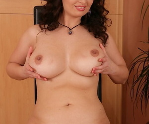 Beamy tit brunette mature Sirale spreading will not hear of shaved twat with the addition of mastrubating