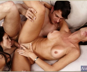 Mature brunettes Paddling pool Russell and Susana DeGarcia have sex upon authoritativeness orgy