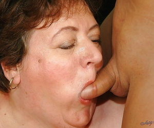 Well-fed granny element sitting a younger sponger and gets fucked hardcore