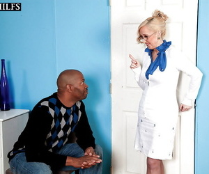 Mature peaches Jackie Pierson dresses involving slutty for interracial making love