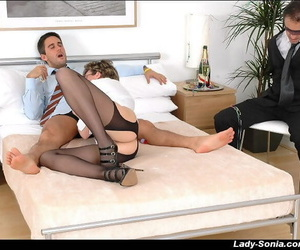 Mature femdom gives a blowjob give witness be advantageous to a blindfolded guy