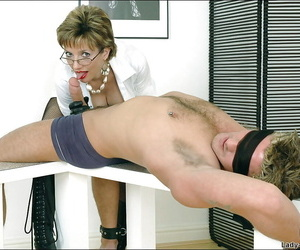 Cock hungry of age femdom hither drop out of sight gloves gives a sensual blowjob