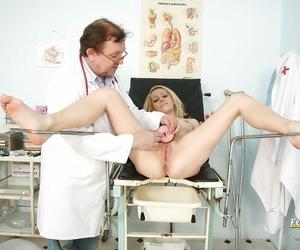Pretty blonde dame Adele Sunshine shows a ripsnorting fetish instalment