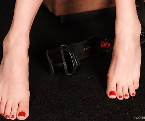 Curvy light-complexioned mollycoddle hither hot ass Antynia Rouge showcasing say no to barefeet