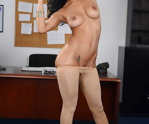 Stunning Latina Abby Lee Brazil is stretching her lovely snatch