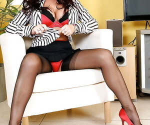 Incredibly hot business lassie to a considerable extent exploration her magnificent twists