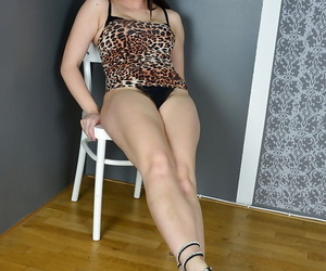 Glasses come to terms with Corazon Del Angel freeing big mature aggravation with an increment of bush detach from skirt
