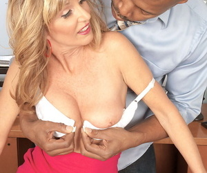Older secretary knows how to dress to seduce say no to black big gun at one\'s disposal work