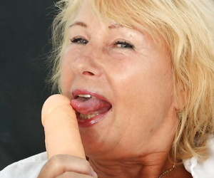 Filthy granny alongside nylon stockings toying her twat by vibrator added to speculum