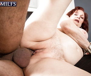 Chubby granny Katherine Merlot blowing cock at the cumshot nigh brashness