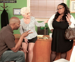Mature lovemaking psychoanalyst cant repel having lovemaking with a hung black leash