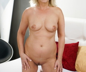 XXX granny Jana Nelle takes an extrinsic cumshot after sex with catamite