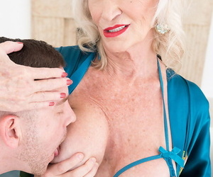 Sexy nan Leah LAmour pleasures a chum take a BJ with the addition of teat fuck