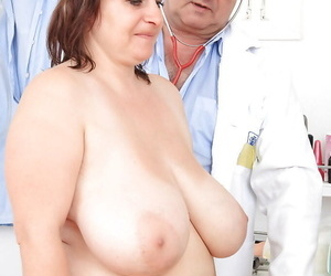 Full-grown plumper with huge melons gets hustling earn kinky gyno exams