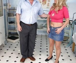 Stunning mature lady with big tits gets her cunt examed by gyno