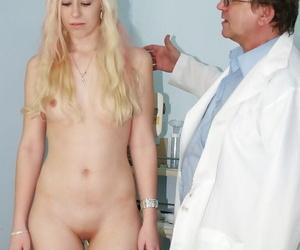 Pretty bazaar Kristyna spreading vagina before of her doctor
